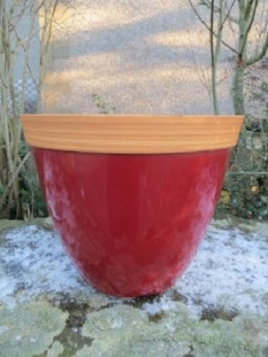 "13.5"" Provence Plastic Planter (red)"