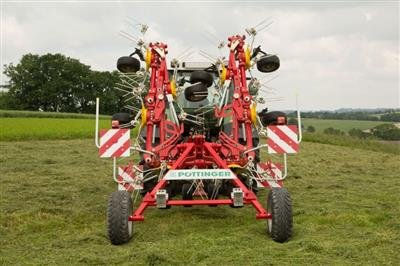 Pottinger Hit 8.9T Trailed Tedder