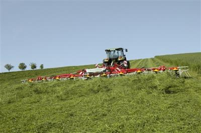 Pottinger Hit 10.11T Trailed Tedder