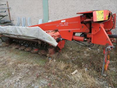 2005 Kuhn FC313 Mid Mount Mower Conditioner