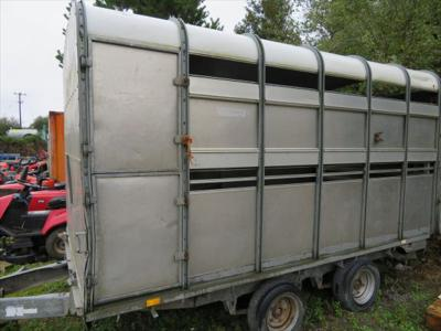 Ifor Williams DP120 Cow Box